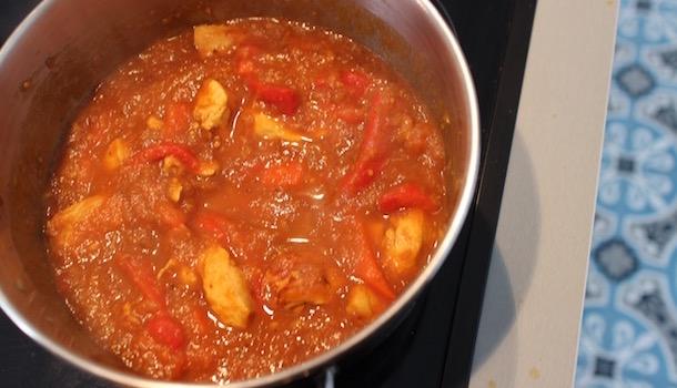 laisser mijotter le poulet - Poulet balti - tomate gingembre poivrons