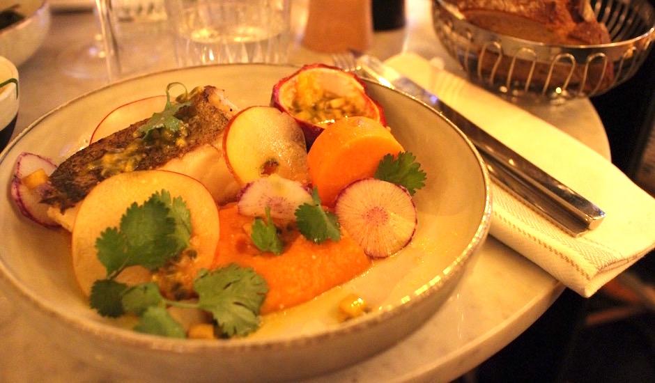 lieu jaune patate douce - Restaurant Les fauves - exotic chic à Montparnasse