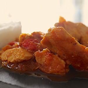recette Poulet balti - tomate gingembre poivrons