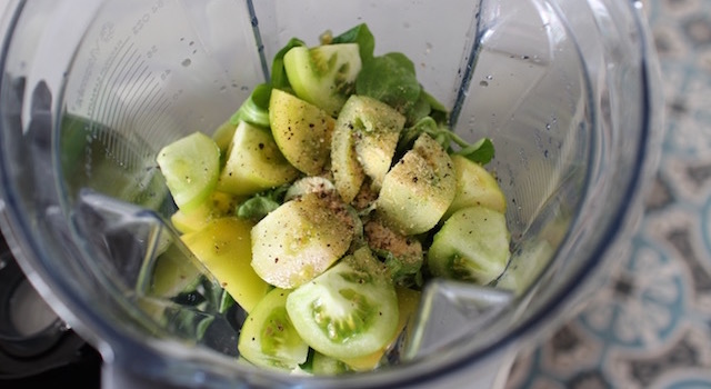 assaisonner les légumes - Smoothie vert de légumes au sarrasin croustillant