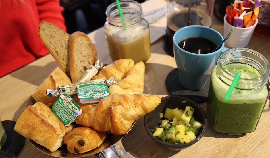 petit déjeuner - Restaurant Ensuite - jus frais et brunch vitaminé