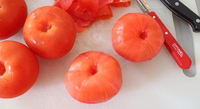 éplucher les tomates - Lovely Smoothie tomates fraises au basilic