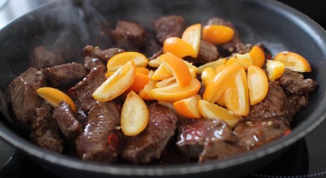 ajouter les kumquats - Salade de bœuf thaï exotique