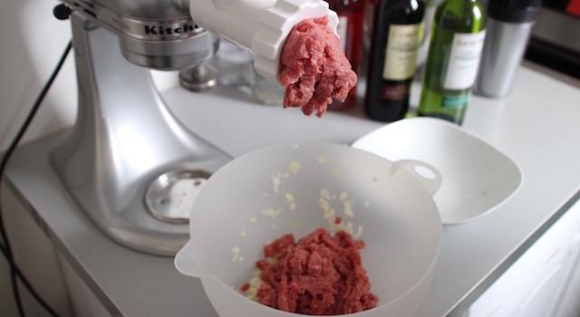 hacher l'agneau - Boulettes d'agneau, polenta au lait d'amande