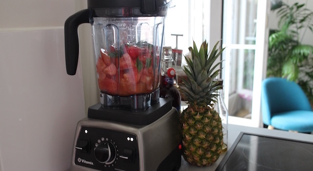 mixeur vitamix - Lovely Smoothie tomates fraises au basilic