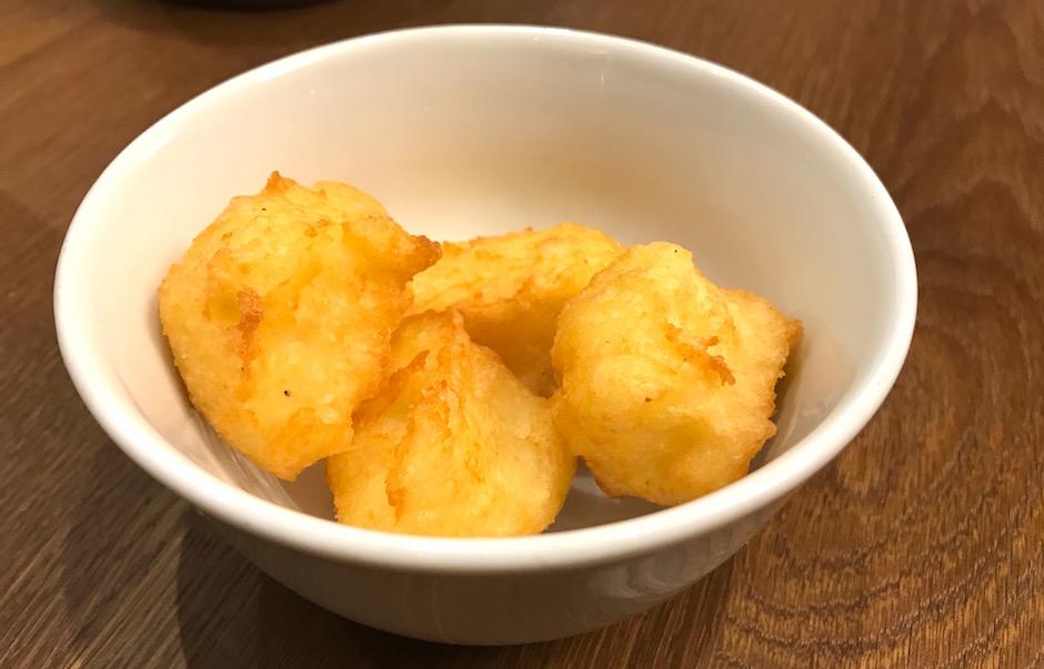 pommes dauphines - Restaurant L'oseille de la Bourse