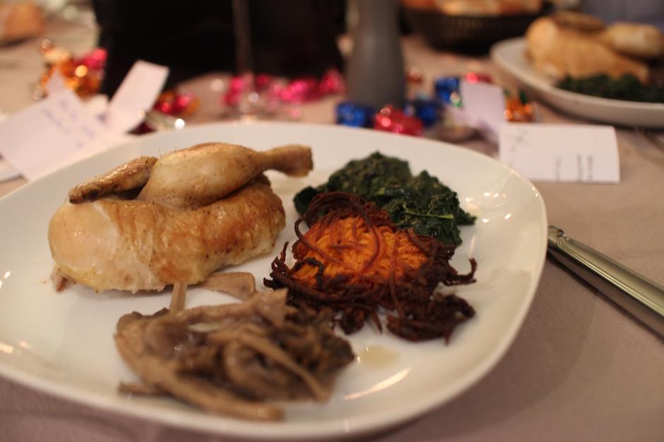coquelet roti marrons et champignons - magnifique-diner-de-noel-livre