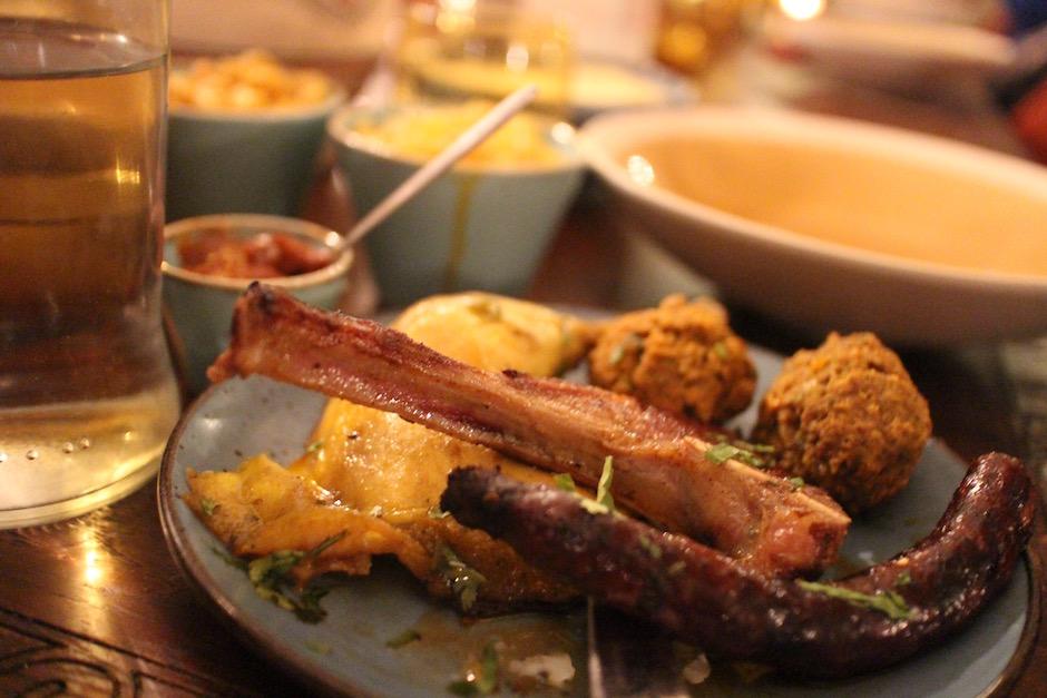 couscous de la maison - restaurant-le-mechoui-du-prince-le-maroc-chaleureux