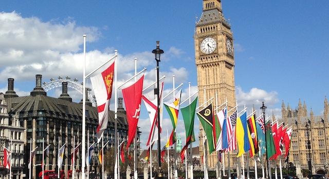 vue classique de londres parlement et big ben
