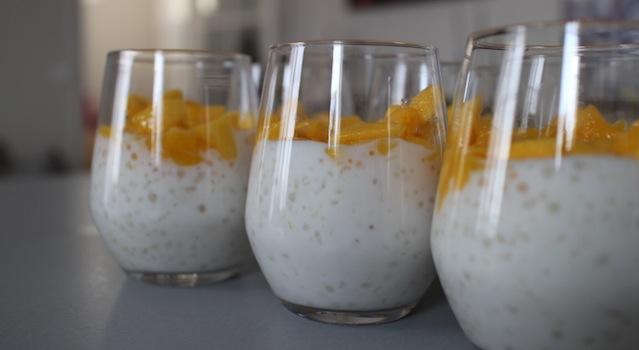 Verrines de Tapioca et mangue au citron vert - dressage des desserts au tapioca citron vert - Tapioca au lait de coco, mangue et aloé vera