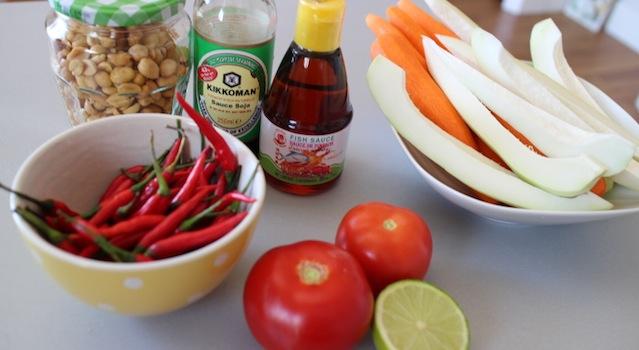 ingrédients de la salade de papaye verte - Salade de papaye verte de Koh Samui.JPG