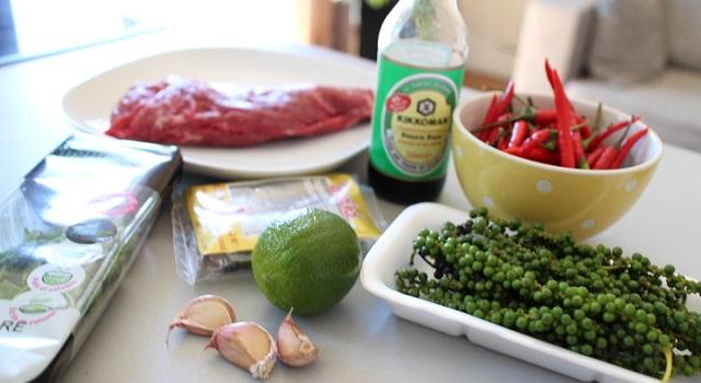 préparer les ingrédients pour la recette de boeuf sauté - Boeuf sauté Thaï - Le tigre qui pleure