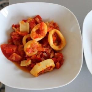 recette des calamars-supions-nage-de-legumes-relevee