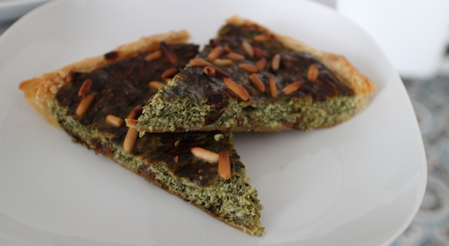 tarte prête à servir croustillante et fondante - Tarte épinards, ricotta et raisins secs