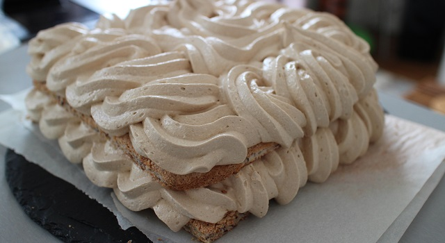 dresser le biscuit et la creme -Le Castel le mythe des étudiants de Vatel