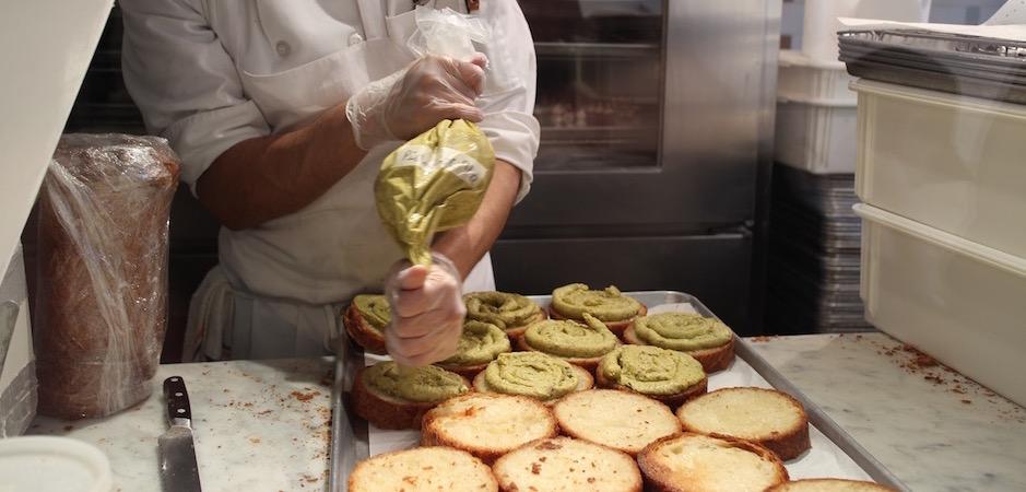 atelier de crownuts dominique ansel -Pont de Brooklyn Manhattan New-York Foodie - le voyage gastronomique