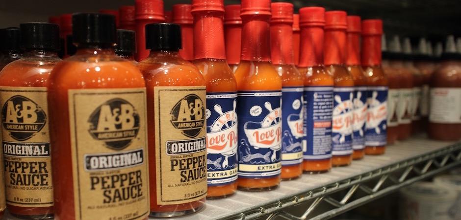 sélection de sauces pimentées soul food - Pont de Brooklyn Manhattan New-York Foodie - le voyage gastronomique