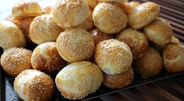 délicieux buns dorés - Mini Buns moelleux au sésame
