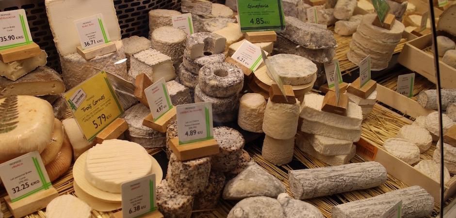 fromage de chevre beillevaire - Le marché de Talensac - la visite foodie à Nantes