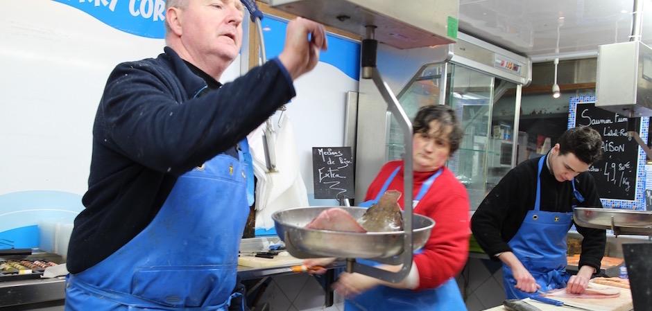poissonnier de qualité - Le marché de Talensac - la visite foodie à Nantes