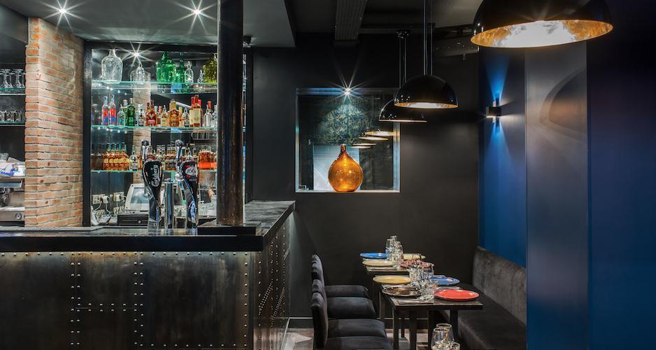 Bar et club - Maison Else - table tendance parisienne