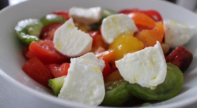 assaisonner et servir - Salade ensoleillée