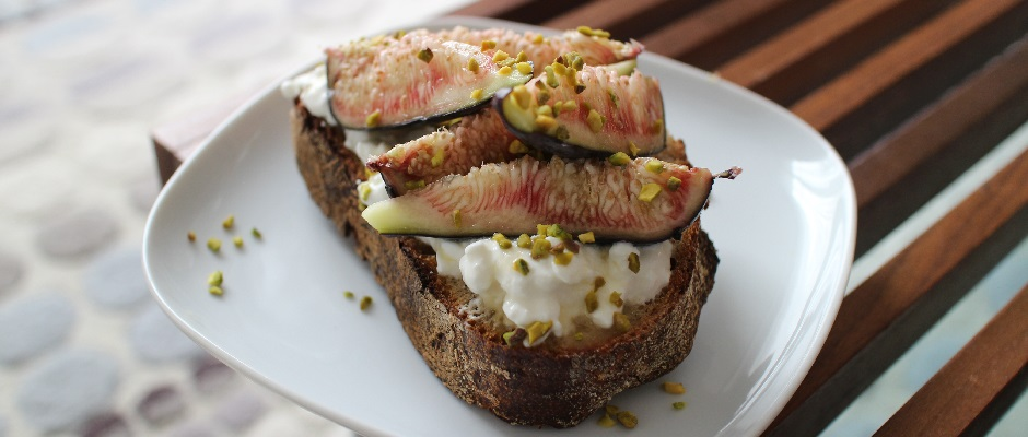 Recette Tartine de figues et pistaches