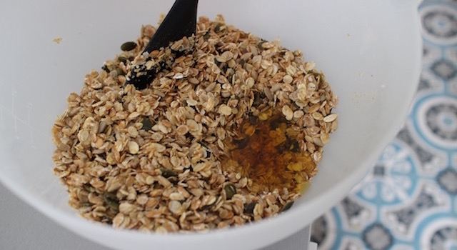 ajouter le miel - Granola énergétique - acidulé