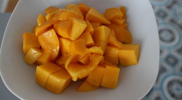 découper la mangue - Le meilleur Mango Bowl