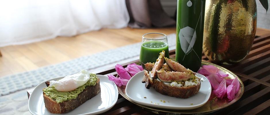 servir un petit déjeuner sain et équilibré