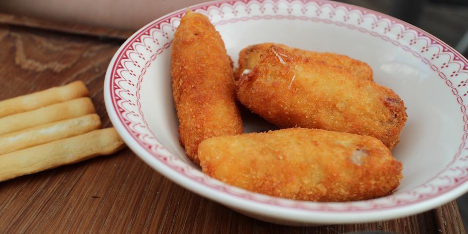 croquettes de mozzarella et speck - Restaurant Auteuil Brasserie mon QG de l'été
