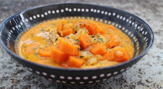 servir la Soupe thaï au poulet