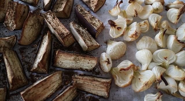 aubergines-et-oignons-grilles-assiette-bien-etre-healthy-bowl-equilibre