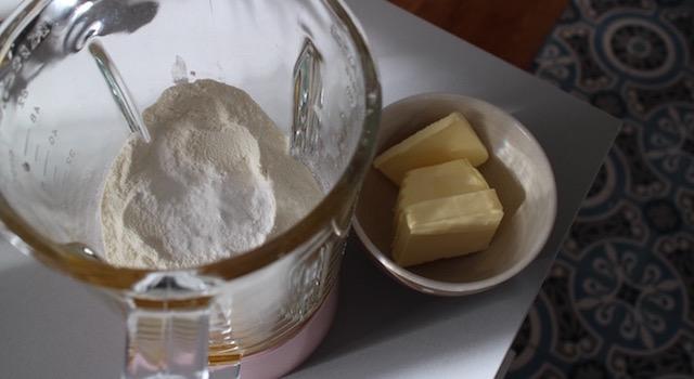 preparer-les-ingredients-madeleines-au-beaufort-aop