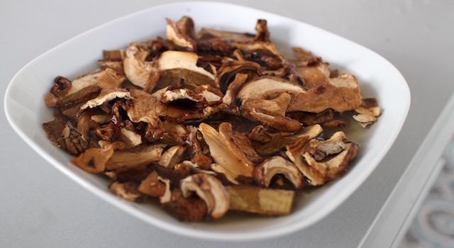 rehydrater-les-cepes-seches-escalope-de-dinde-croustillante-aux-marrons