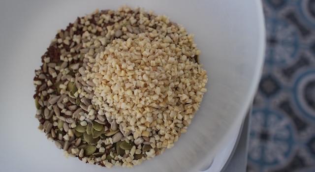 amandes-hachees-granola-cru-de-cajou