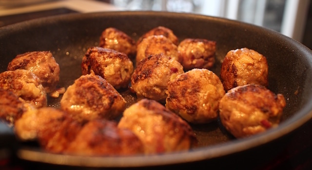 cuire-les-boulettes-a-la-poele-comme-un-couscous-boulettes-aux-amandes