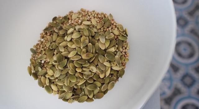 graines-de-courge-granola-cru-de-cajou