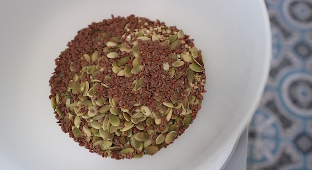 graines-de-lin-granola-cru-de-cajou