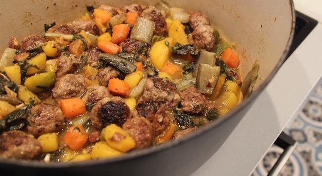 plat-mijote-et-delicieux-comme-un-couscous-boulettes-aux-amandes