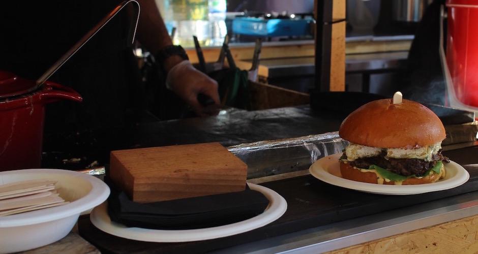 burger français - Camden street food market - London