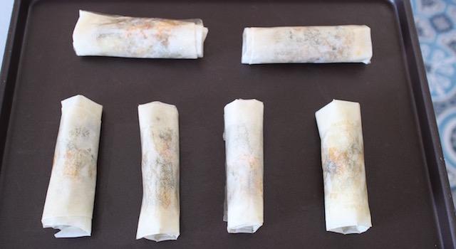 enfourner les feuilletés - Cigares croustillants au kale et haloumi