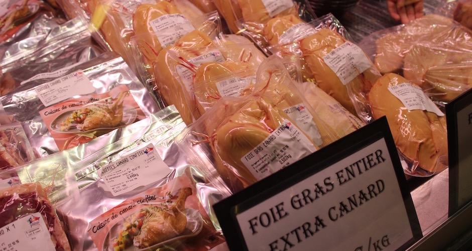 lobes de foie gras frais entiers - Visite guidée des halles de Lyon Paul Bocuse