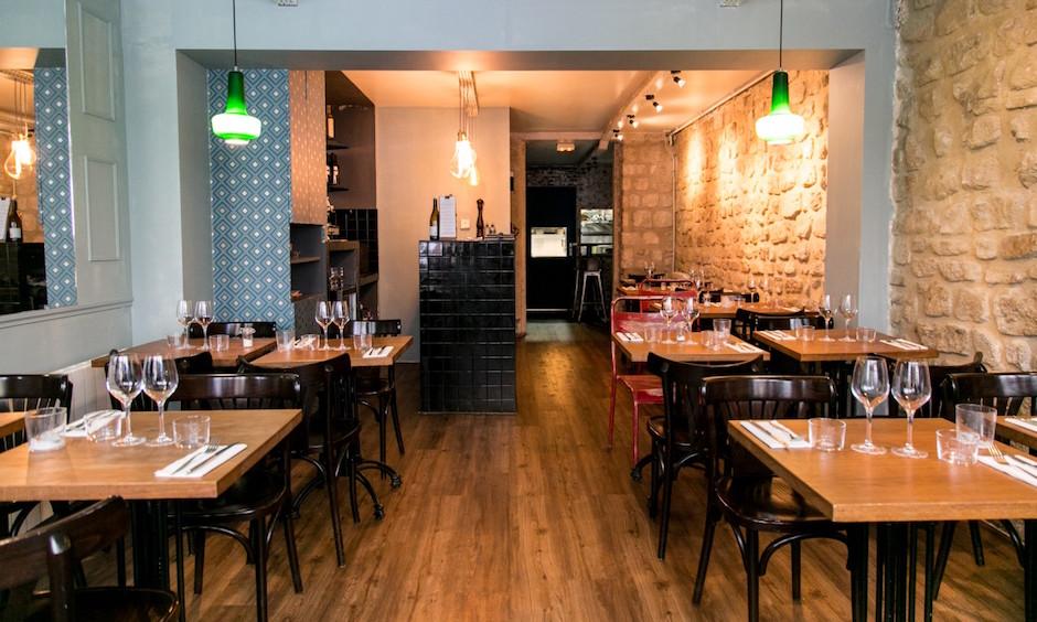 salle du Restaurant Viola - carte italienne et vins naturels