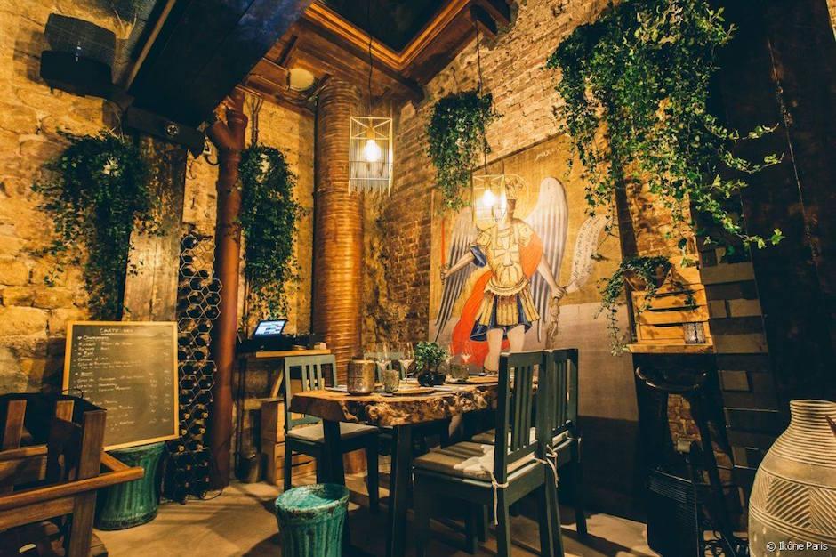 décoration grecque - Restaurant Ikône Le nouveau temple parisien de la gastronomie grecque