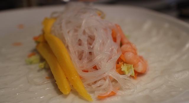 vermicelles de riz haricot mungo - Rouleaux de printemps mangue - crevettes - piri piri