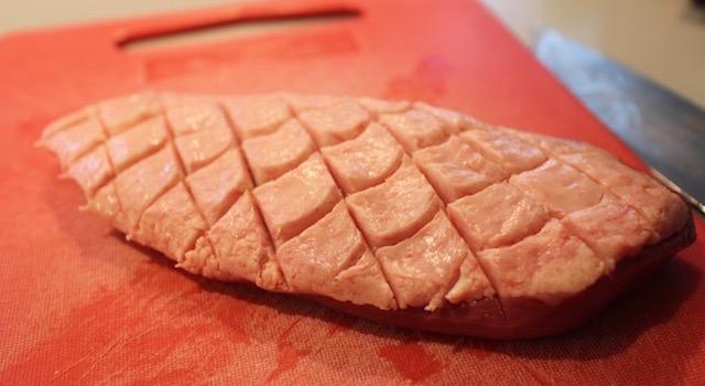 quadriller la peau du magret - Magret de canard et kakis rôtis au Pedro Ximenez