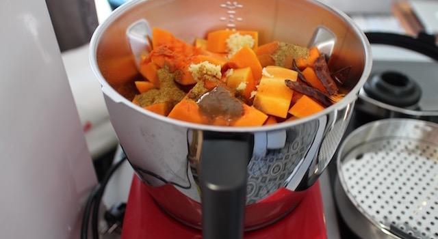 cuire la courge aux épices - Courge - épinards - poulet caribéens