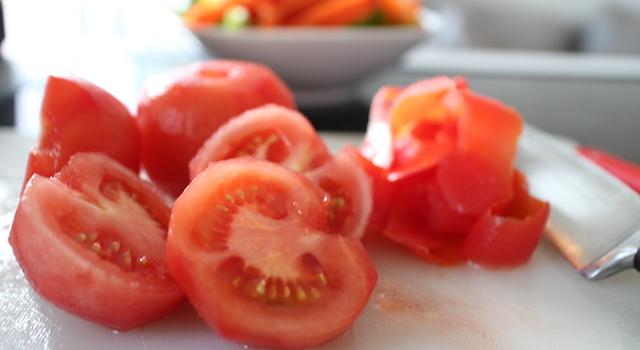 peler tomates